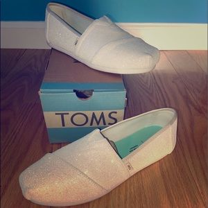 LIKE NEW - TOM'S Venice Collection IVORY-GLITTER